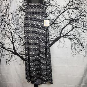 LuLaRoe Maxi Skirt Black & White Pattern XL